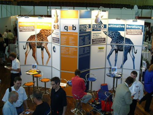 ULTIMO/q2b-Messestand